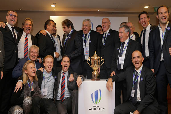 France poses with Rugby World Cup