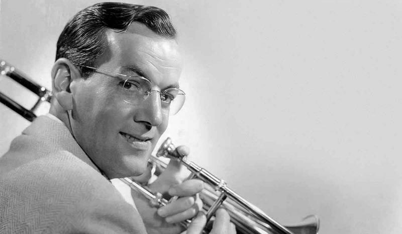 "Glenn Miller received the first ever gold record for selling a million copies of ""Chattanooga Choo C"