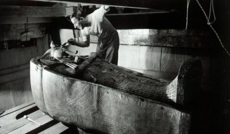 Howard Carter and Lord Carnarvon became the first to enter the tomb of King Tutankhamen (Tut) since
